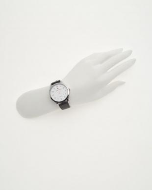 ホワイトフェイス 腕時計見る