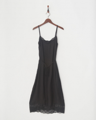 BLACK DRESSを見る