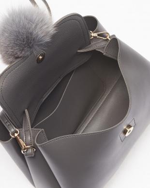 Gray フォックスファー付一本手紐バッグを見る