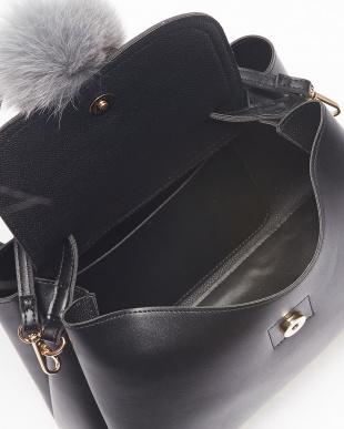 Black フォックスファー付一本手紐バッグを見る