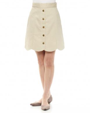 BE 裾スカラップ台形スカートを見る