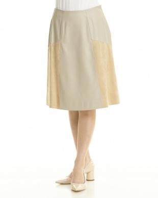 BEIGE レザーボックススカートを見る