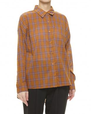 ブラウン チェックオーバーシャツを見る