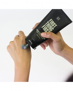 スクラブ洗顔料 FIRST THING FIRST&オールインワントナー10sec+化粧水SOFINEボトルサンプル&乳液 DEAR MATTボトルサンプル付き見る