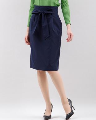 ベージュ2 ウエストリボンIラインスカート CLEAR IMPRESSION見る