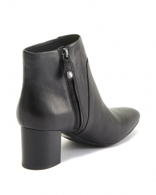BLACK  ANKLE BOOTS見る