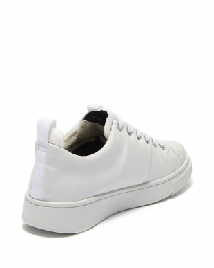 WHITE  SNEAKERS見る