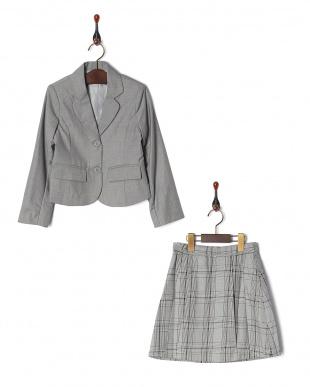 グレー  コンパクトジャケット&チェック柄プリーツスカート2点セット見る