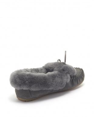 Charcoal Amity Cuff Fur見る
