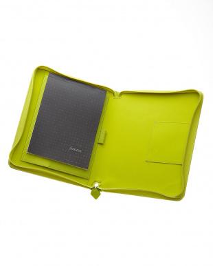 ライムグリーン サフィアーノジップ タブレットケース ラージサイズを見る