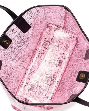 ピンク Parisianne Vinyl Tote Bagを見る