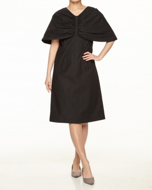 Black PONCHO DRESSを見る