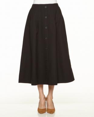 ブラウン フロント釦スカートを見る