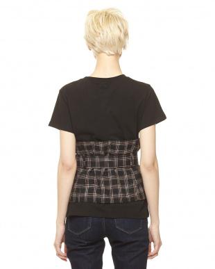ブラック コルセット付きTシャツを見る