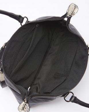 アイボリー/ブラック カーフ&パイソン変形バッグを見る