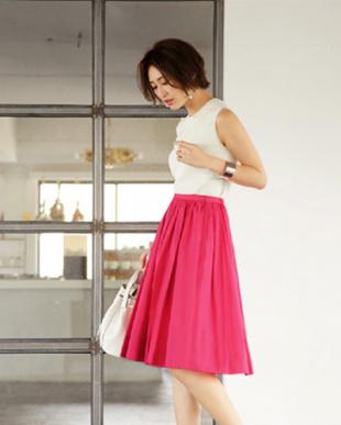 フューシャピンク [Made in JAPAN]洗えるコットンボイルギャザースカートを見る
