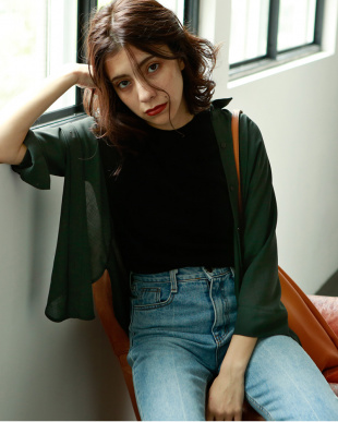 ダークグリーン THREE-QAURTER SLEEVES SHIRTSを見る