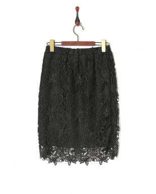 ブラック モチーフレーススカートを見る
