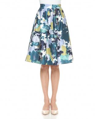 ブルー シャンタンモザイク花柄スカートを見る