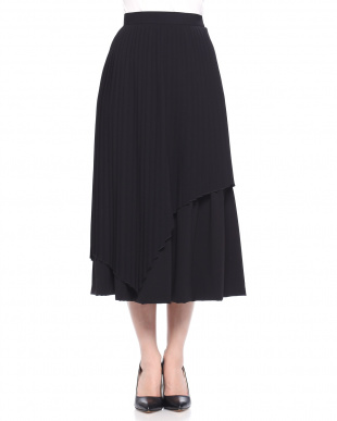 BLACK スパイラルプリーツスカートを見る