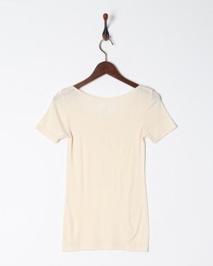 ライトベージュ 暖かくてムレにくい 保温性×通気性 3分袖シャツを見る