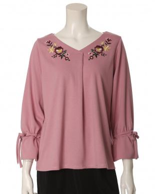 ピンク1 《大きいサイズ》袖リボン刺繍カットソー ef-de L Size見る