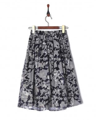 ネイビー オパール水彩花柄スカートを見る