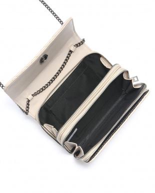 Black キルティングお財布ポシェットを見る