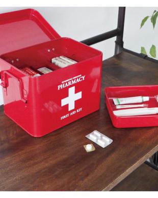 レッド ファーマシー 救急ボックスを見る
