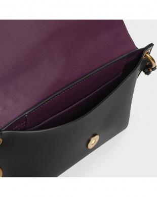 Black テクスチャーフロントフラップバッグ / Textured Front Flap Bagを見る