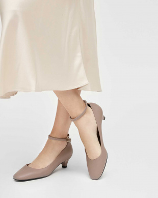 Taupe アンクルストラップ パンプス / Ankle Strap Pumpsを見る