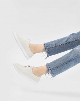 Cream ポインテッド スニーカー / Pointed Sneakersを見る