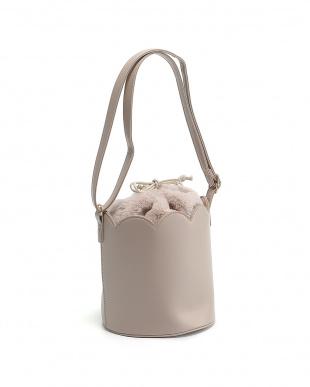 ピンク スカラップバッグを見る