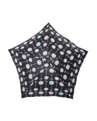 フローラ ノワール 軽量折りたたみ傘(デザイン)を見る