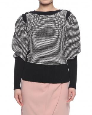ブラック/クリーム sweaterを見る