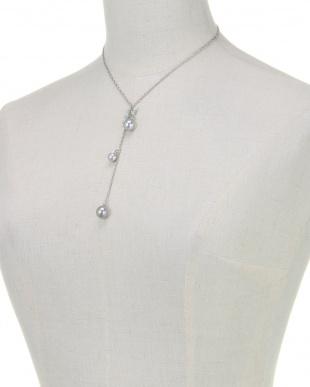 グレー/ブルーパステル/シルバー ブルーパステル×グレーパール Yスタイルネックレスを見る