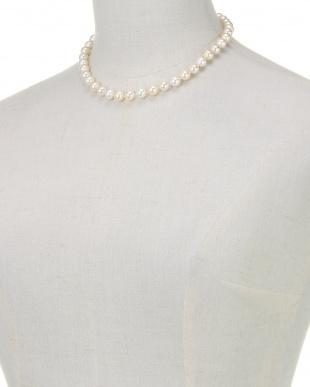 ホワイト/クリーム/ゴールド クリーミー貝パールミックス ベーシックネックレスを見る