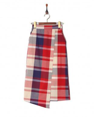 レッド系 スカートを見る