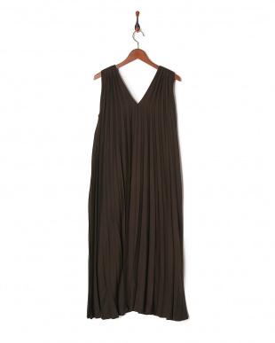 ダークブラウン ウールビエラプリーツキャミドレスを見る