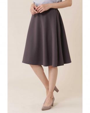 チャコールグレー2 |CLASSY 10月号掲載|オーセンティックダブルクロススカート NATURAL BEAUTYを見る