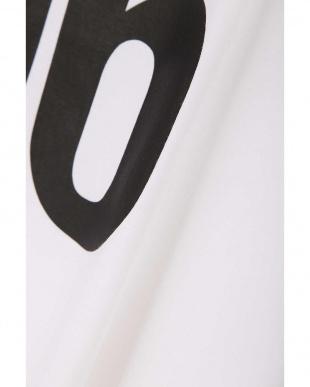 ホワイト グラフィックTシャツ TOKYOSTYLIST THEONE EDITIONorgを見る