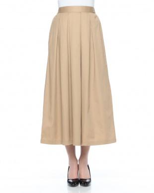 ベージュ フレアスカートを見る