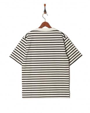 ホワイト  0040021047ボートネックTシャツを見る