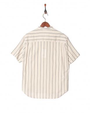 オフホワイト 0060011023ストライプ Vネックシャツを見る