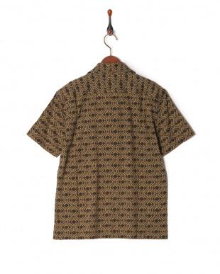 カーキ 0068011012イカットプリントシャツを見る