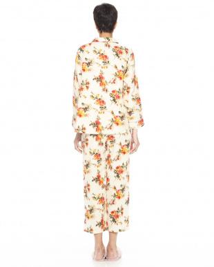 アイボリー 3重ガーゼアイシングローズ パジャマを見る