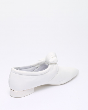 WHITE  SHOESを見る