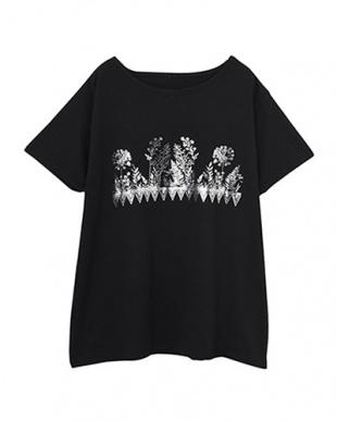 ブラック×シルバー ボタニカル箔プリントTシャツを見る