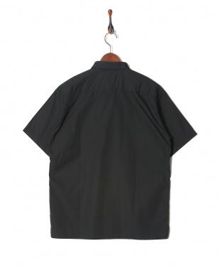 black シャツ・ブラウスを見る