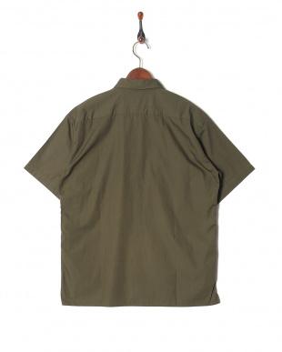 olive シャツ・ブラウスを見る